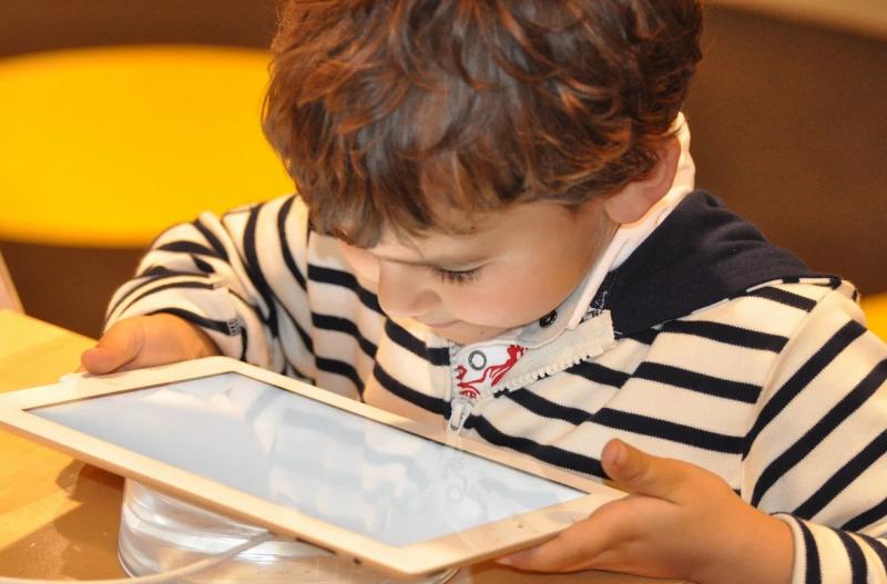 Wskazówka na Boże Narodzenie: jak wybrać tablet dla dziecka