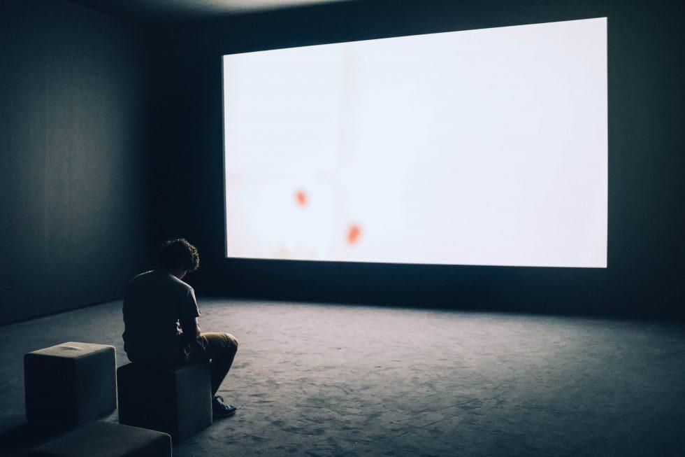 Szukaj wszędzie: jak wybrać mini projektor