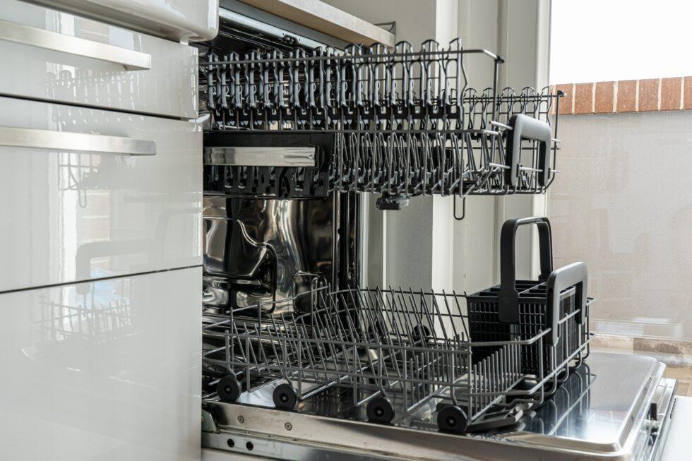 Wskazówki, dzięki którym Twoja zmywarka będzie dobrze zmywać